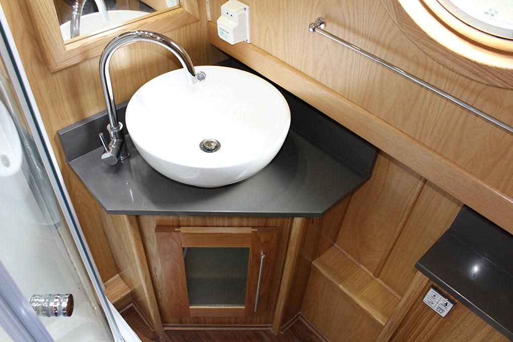 Bespoke Designed Widebeam Boat Builders - Bathroom 4