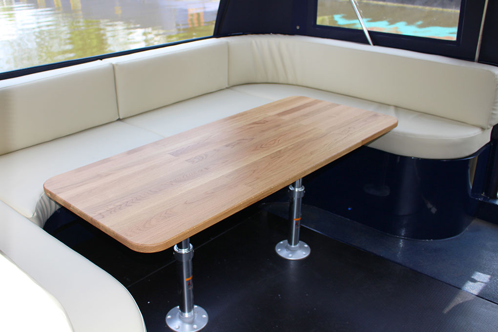 Enclosed Stern Seating Area