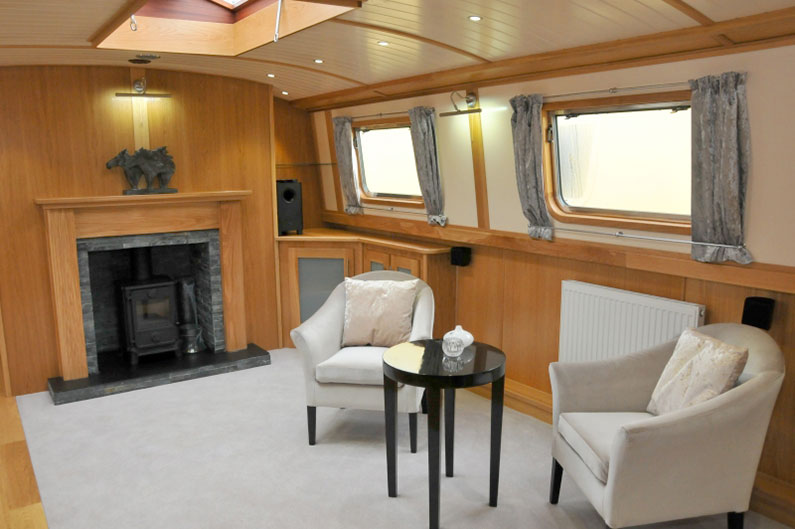 Widebeam Builders Abode 64ft x 12ft Reverse Layout Saloon