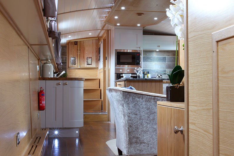 Luxury Barge - Neptune Galley