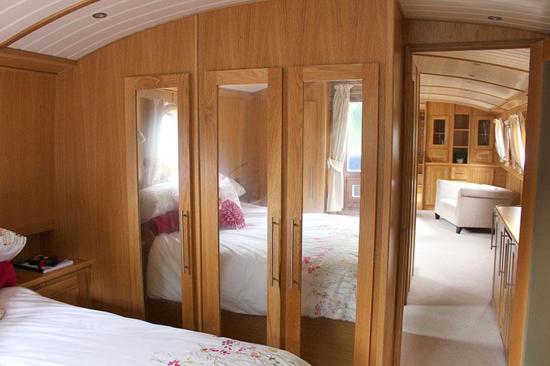 Luxury 12ft Emperor Widebeam - Bedroom Storage