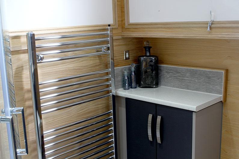 Neptune Barge - Bathroom