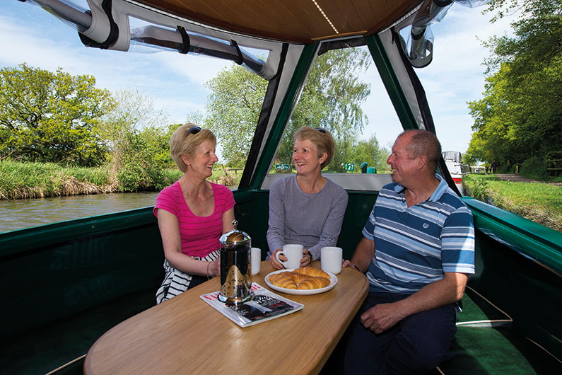 Narrowboat Day & Weekend Hire - Mercia Marina Derbyshire