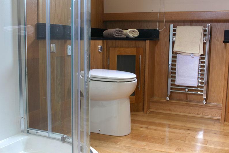 Monarch Widebeam - Bathroom 5