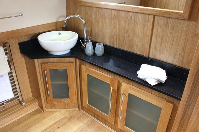 Monarch Widebeam - Bathroom 3