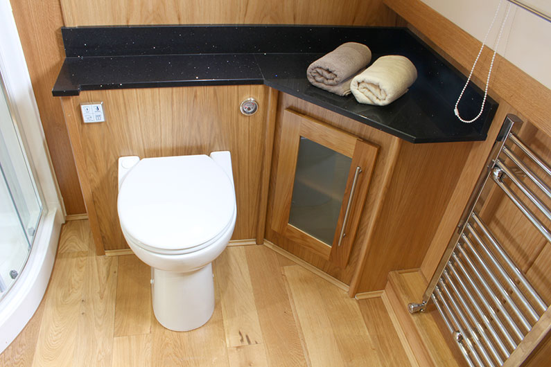Monarch Widebeam - Bathroom 2