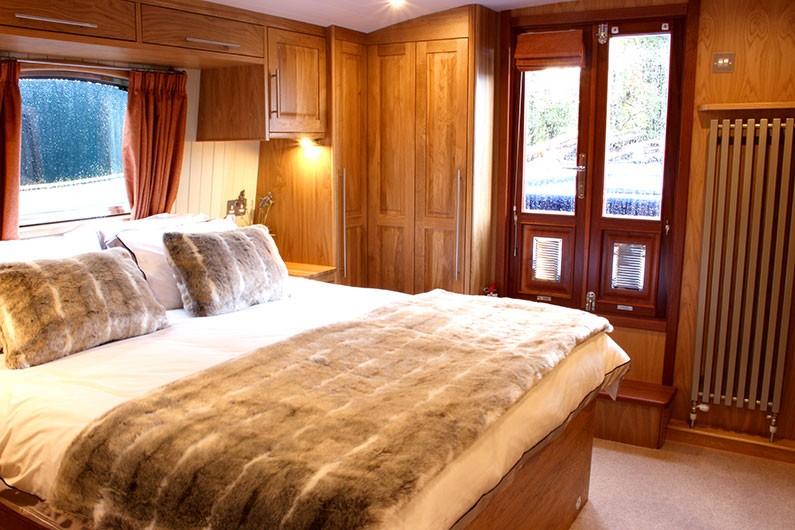 Luxury 12ft Widebeam Boat Builder - Canterbury Bedroom 2