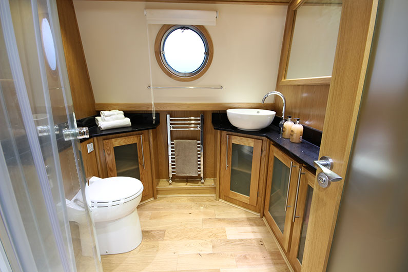 Widebeam Boat Builders - 10ft Eurocruiser Bathroom