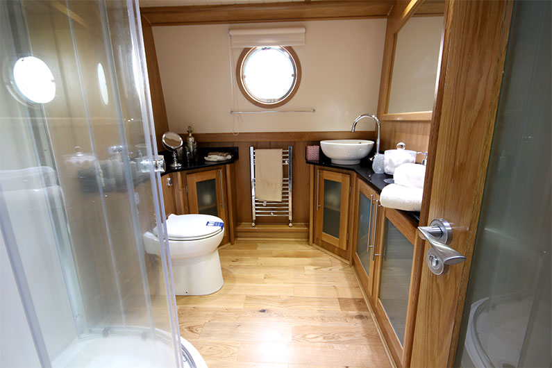 Eurocruiser Widebeam - 12ft Boat Builder - Bathroom