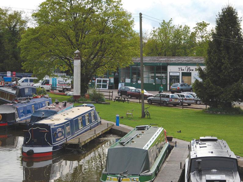 Hanbury Wharf Office Selling New & Used Narrowboats & Widebeams